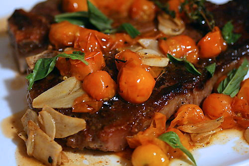 Steak with tomatoes