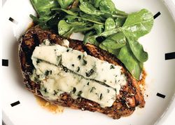 Babalsamic_chicken_with_blue_cheese_h