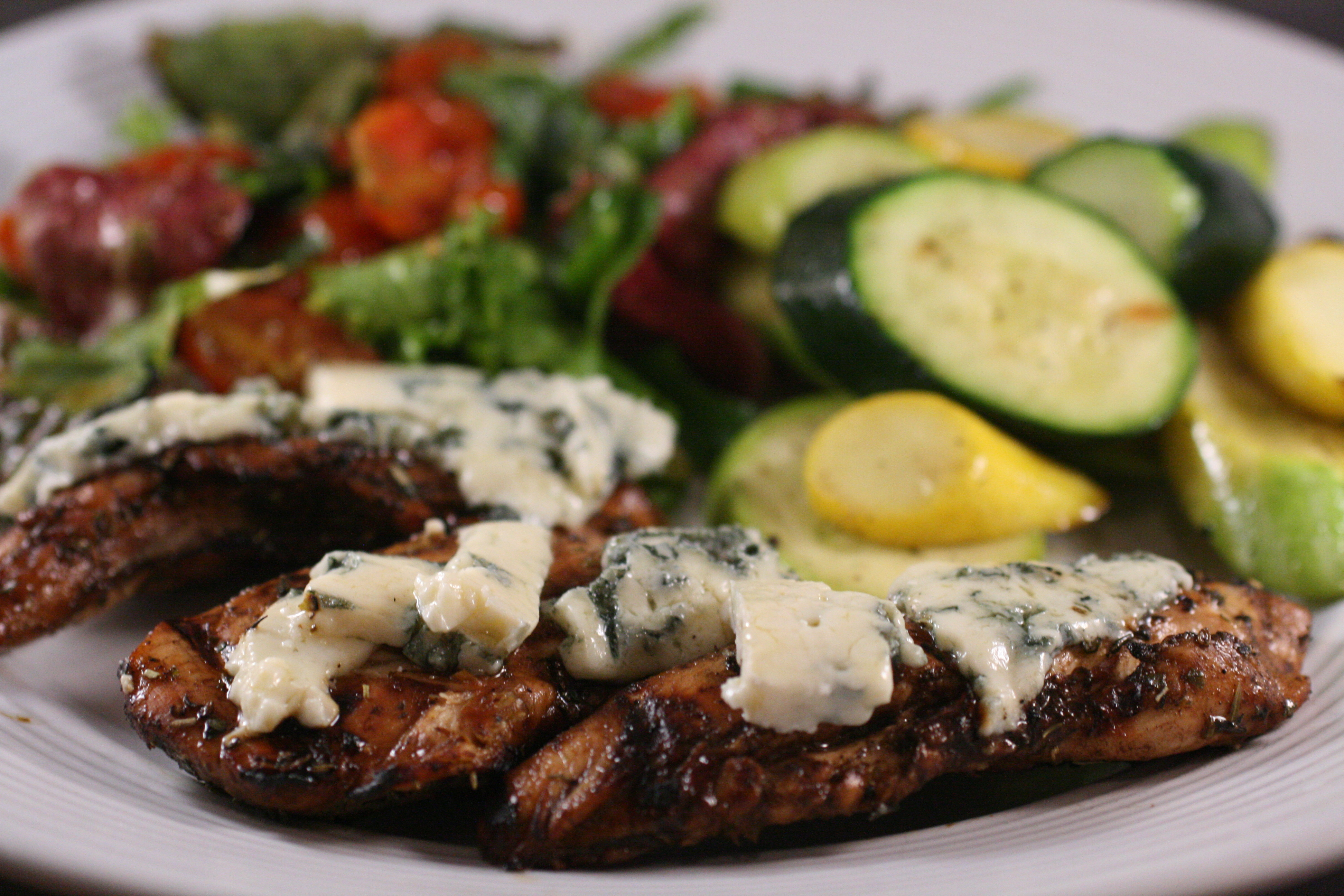 blue cheese salad grilled pizza with tapenade roasted onions and blue ...