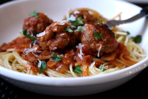 The Bitten Word: Spaghetti and Meatballs All'Amatriciana